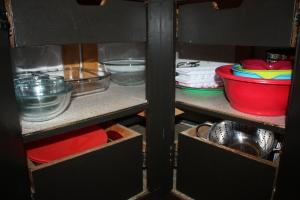 bowls in kitchen cabinet